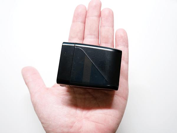 DENKI Dockは手のひらサイズのスイッチ用ドック
