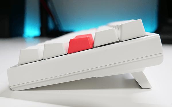 キーボードの高さは3段階で調整が可能