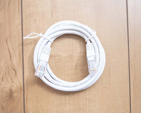 LANケーブル(約1.2メートルの長さ)