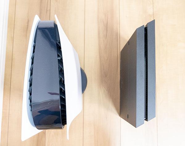 PS5とPS4のサイズ比較(上面)