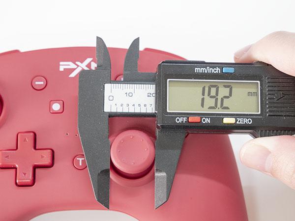 PXNプロコンのスティック大きさは約19.2ミリ