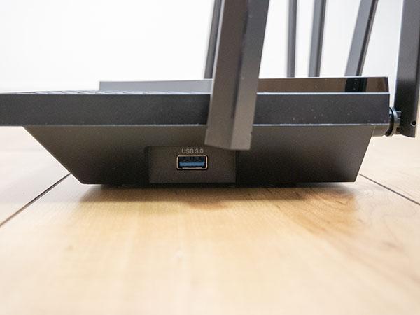 簡易NASとして使える「USB3.0ポート」